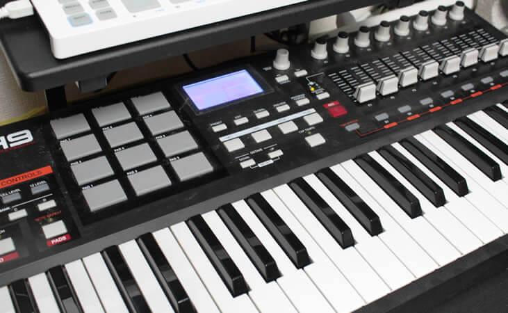 MIDIキーボード
